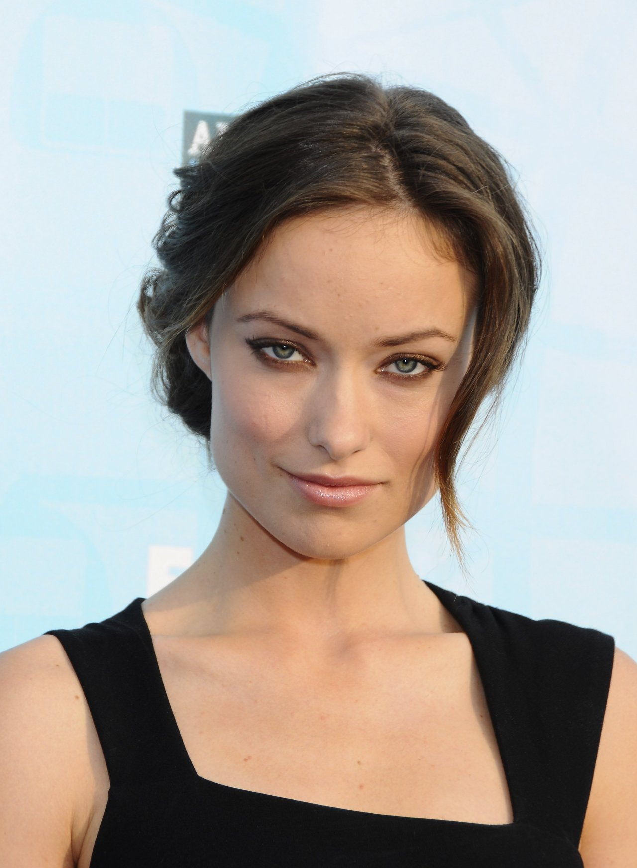 http://media.celebrity-pictures.ca/Celebrities/Olivia-Wilde/Olivia-Wilde-1125660.jpg